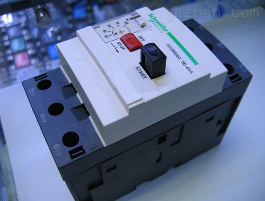 短路+热过载保护电动机断路器自行运作可手动控制(可通过按钮控制或