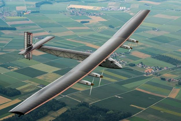 绿色经济 太阳能飞机开启航空清洁能源时代