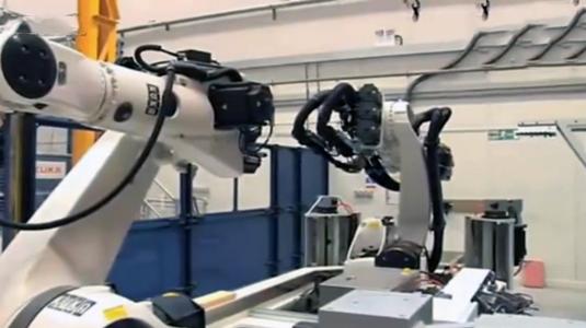 德国工业龙8国际娱乐飞机装配柔性制造系统展示