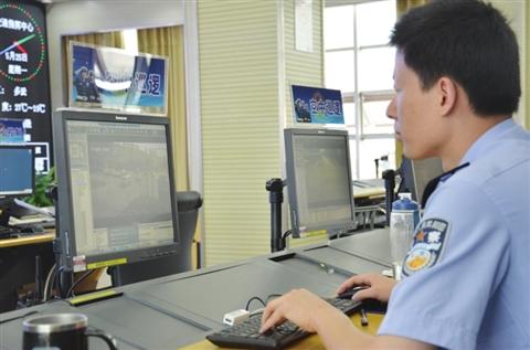 制定了非现场执法的规范流程,30名操作员严格按照流程执法,对违停车辆