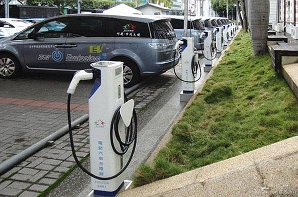 电动汽车充电千亿市场 光伏电站或搭车