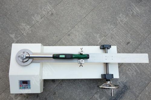 扳手扭力测试设备图片